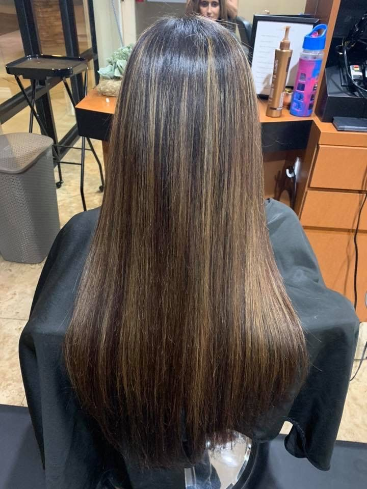 Hair Salon Hair By CaseyD in Moorpark| Hair salons near me, hairdressers near me, hair stylists near me, hair stylist recommendations, hair salon reviews, best hair stylists near me, best hair salons near me, best hairdressers near me.